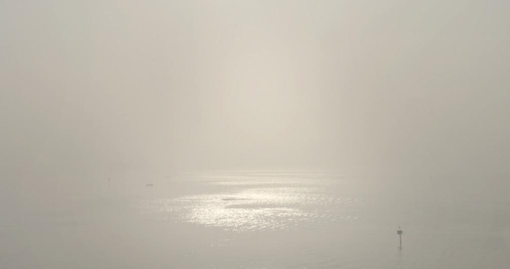 """El océano como misterio en """"Dead Slow Ahead""""."""